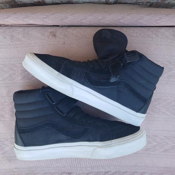 Vans Shoes - Vans Sk8-Hi shoes Hi top w10.5
